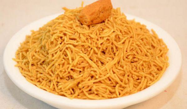 आलू भुजिया कैसे बनाते है? How to make Aloo Bhujiya in Hindi?