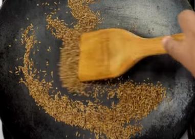 5 मिनट में दही भल्ला का मसाला घर पर कैसे बनाये? How to make Dahi Bhalla chaat masala at Home in Hindi? [Step By Step Photo]  Step 3